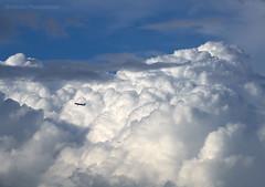 Voyage vers un Paradis (Julianoz Photographies) Tags: nuage nuageux orageux ciel sky airfrance avion aeroplane d850 nikond850 nikon200500 nikon nikonclub nikonfrance airfrancecrew plane minimaliste minimalist julianozphotographies