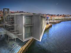 Centro Botin. (Santander, Spain) (Capuchinox) Tags: españa spain santander edificio building mar sea bahia bay photomatix hdr cielo sky