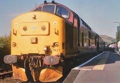 37427 Machynlleth 17/08/05 (andyk37) Tags: 374 ews class37 37427 machynlleth 170805 locohauled 1z37