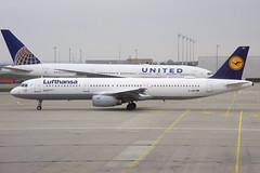 Lufthansa Airbus A321-131; D-AIRO@MUC;11.04.2019 (Aero Icarus) Tags: munichinternationalairport flughafenfranzjosefstraus muc plane avion aircraft flugzeug europe lufthansa airbusa321 dairo 23yearoldplane