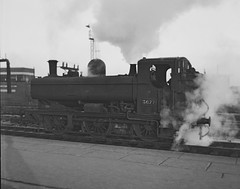 GWR Pannier Tank 3677 at Bristol Temple Meads. (rac819) Tags: gwrpanniertank panniertank steamlocomotives bristoltemplemeads stationpilot 3677