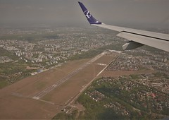Warsaw Babice Airfield (roomman) Tags: 2019 lot polish airlines lcy waw warsaw london city airport transport transportation flight jet embraer splma lma epwa eglc approach babice epbc airfield wing aerial aereal plane travel journey airline