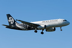 Air New Zealand Airbus A320 (Daniel Talbot) Tags: a320 akl airnewzealand airbus airbusa320 auckland aucklandairport aucklandregion nzaa newzealand northisland teikaamāui zkojf aircraft airplane airplanes airport autumn aviation maker oceania plane season seasons transportation
