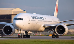 JA743J - Boeing 777-346ER - LHR (Seán Noel O'Connell) Tags: japanairlines jal ja743j boeing 777346er b777 b77w 777 heathrowairport heathrow lhr egll 27r hnd rjtt jl44 jal44 aviation aviationphotography avgeek planespotting