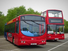 Go North East 4949 (NK51OLP)  & 6000 (X594EGK) - 05-05-19 (peter_b2008) Tags: gonortheast goaheadgroup gonorthern scanial94ub wrightsolar 4949 nk51olp eastyorkshiremotorservices eyms volvo b7tl plaxton president opentop 6000 x594egk buses coaches transport buspictures