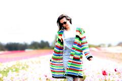 Tulip Season (Photo Alan) Tags: vancouver people tulip tulipfestival tulipfield woman canada
