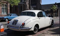 Jaguar 340 1968 (XBXG) Tags: 9418fn jaguar 340 1968 jaguar340 white blanc kleverparkweg haarlem nederland holland netherlands paysbas vintage old classic british car auto automobile voiture ancienne anglaise uk brits vehicle outdoor