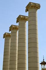 LES QUATRE COLUMNES, de Josep Puig i Cadafalch, 1919 (Yeagov_Cat) Tags: 2019 barcelona catalunya montjuïc lesquatrecolumnes quatrecolumnes joseppuigicadafalch 1919 1928 2010 peraire