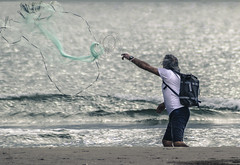 The Fisher King (*Nenuco) Tags: the fisher king valencia malvarrosa pescador red mar sea d5300 nikon tamron 70300 jesúsmr