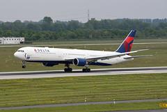 Delta Air Lines Boeing 767-432(ER) N841MH (EK056) Tags: delta air lines boeing 767432er n841mh düsseldorf airport