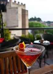 photo - Brandy Manhattan, The American Bar, Hotel Forum Rome (Jassy-50) Tags: photo rome italy hotelforum hotel theamericanbar americanbar bar hotelbar openair alfresco rooftopbar brandymanhattan cocktail