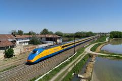 Diamante (Paolo Brocchetti) Tags: paolobrocchetti diamante treno ferrovia bahn rail sony a6000 1670 trenitalia rfi