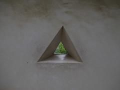 Hidden II (anna.letoile) Tags: himeji hyogo japan nihon japantrip himejicastle castle triangle minimal minimalistic minimalism simple conceptual geometry 日本 姫路 姫路市 姫路城 兵庫県 シンプル olympus olympusomdem10markii olympus25mmf18