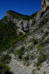 Falaise de Crigne, niveau inférieur (RarOiseau) Tags: falaise picdecrigne monêtierallemont montagne sentier pierre