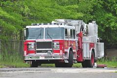Pelham Manor Fire Department Tower Ladder 3 (Triborough) Tags: nj newjersey middlesexcounty eastbrunswick pmfd pelhammanorfiredepartment firetruck fireengine ladder towerladder ladder3 towerladder3 seagrave