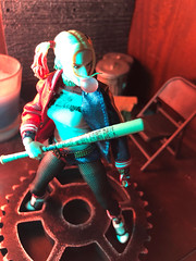 1585-121 You Don't Own Me (misterperturbed) Tags: dccomics harleyquinn mezco mezcoone12collective one12collective suicidesquad