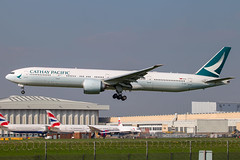 Cathay Pacific - Boeing 777-367ER B-KQF @ London Heathrow (Shaun Grist) Tags: cathaypacific cathay bkqf boeing 777 777367er shaungrist lhr egll london londonheathrow heathrow airport aircraft aviation aeroplanes airline avgeek landing 27l cx