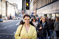 Amber (Cycling-Road-Hog) Tags: candid canoneos750d citylife colour ef50mmf18stm edinburgh edinburghstreetphotography fashion headphones lipstick mobile niftyfifty people places scotland shades southbridge street streetphotography streetportrait style urban amber trafficlights