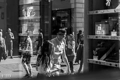 Reflections (CJD imagery) Tags: 50mm primelens prime canonef50mmf18stm canoneos80d people outdoors springtime spring monochrome blackwhite blackandwhite girl woman boy man streetphotography street london westend cityofwestminster coventgarden england gb greatbritain uk unitedkingdom