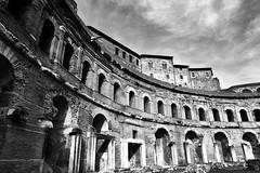 Traiano (paulopar.rodrigues) Tags: local cidade city exterior italia museum museu roma urban photofoto bw captureone fuji xt1