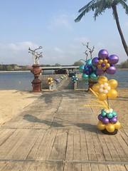 sunrise bruiloft ballonnen pilaar