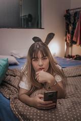 IMG_9469 (Alessandrokelvin) Tags: photoshoot ensaio food cocacola coca eyes model red canon canon6d portrait lanche light sensual oculos cellphone