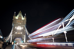 Traffic on the Tower Bridge (Quentin Wimmers) Tags: london bridge light night bus traffic londres tower towerbridge
