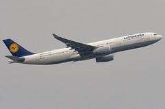D-AIKP / Airbus A330-343E / 1292 / Lufthansa (A.J. Carroll (Thanks for 1 million views!)) Tags: daikp airbus a330343e a330300e a330 a333 330 333 1292 trent772b60 lufthansa staralliance degs 3c6570 london heathrow lhr egll 27l