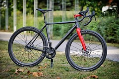 Full Custom Dream Bikes. We just built a new super-light ZEOLITE Gravel Bike. Rahmenbau und Traumbike-Manufaktur. Wir haben gerade ein neues super-leichtes ZEOLITE Gravel-Bike vollendet. Handmade from Tube to Trail. KONSTRUCTIVE CYCLES - We are no ordinar
