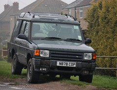 N878 COP (Nivek.Old.Gold) Tags: 1995 land rover discovery tdi es 5door 2495cc