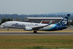 Seattle Mariners Get A Special Decal (planephotoman) Tags: boeing 737 738 737800 737890 n564as seattlemariners 40thanniversary sticker seattleseahawks alaska alaskaairlines airline airliner pdxaircraft portlandinternationalairport pdx kpdx