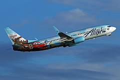 Cars Livery (planephotoman) Tags: 81114pdx boeing 737 738 737890 n570as asa764 pdxdca cars alaskaairlines alaska airline airliner pdxaircraft portlandinternationalairport pdx kpdx