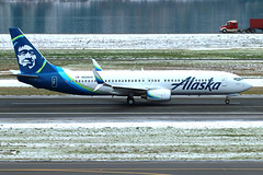 New Livery (planephotoman) Tags: boeing 737 738 737800 737890 n558as alaskaairlines alaska airline airliner pdxaircraft portlandinternationalairport pdx kpdx snow