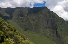 Point de vue après Nez de Boeuf, Reunion / Обзорная площадка Нез де Буф, Реюньон (dmilokt) Tags: природа nature пейзаж landscape гора mountain вулкан кратер crater volcan лава lava дорога road dmilokt