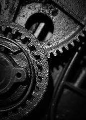 cogwheels (Antti Tassberg) Tags: dof bokeh 50mm cogwheel tekniikanmuseo bw kone helsinki suomi teksture blackandwhite finland lens monochrome prime scandinavia industrial machine