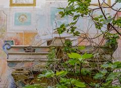 antico altare (antonella1982) Tags: chiesa rovine altare affreschi colori fico