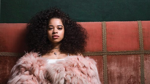 Ella Mai fan photo