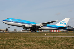 PH-BFG (PlanePixNase) Tags: amsterdam ams eham schiphol planespotting airport aircraft klm boeing 747 747400 b744 jumbo