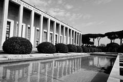 Rome : Quartier EUR la Piscine (Paolo Pizzimenti) Tags: rome piscine eur barbares italie paolo olympus zuiko penf 12mm f2 film pellicule argentique