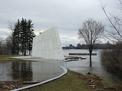 The Royal Canadian Navy Monument overwhelmed by the swollen Ottawa River during this spring's thaw in Ottawa, Ontario (Ullysses) Tags: richmondlanding royalcanadiannavymonument monumentdelamarineroyalecanadienne marineroyalecanadienne royalcanadiannavy ottawa ontario canada spring printemps springthaw flooding flood inondation ottawariver rivièredesoutaouais