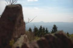 Das Tagesziel im Blick (all martn) Tags: landscape landschaft berge mountains ceskestredohori milesovka pramenac krusnehory