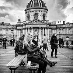 blond selfie (mouzhik) Tags: 11000sf2iso100 canon efm22mmf2stm 22mm canonefm22mmf2stm prime pancake m2 eosm2 мужик moujik mouzhik muzhik zemzem mujik paris parís 파리 париж 巴黎 парыж פריז pariisi パリ párizs parîs باريس parys parizo парис paryż παρίσι پاریس parijs photoderue photographiederue strasenfotografie streetphotography צילוםרחוב yличнаяфотография ストリートスナップ стритфотография تصويرالشارع fotografiadistrada fotoderua fotografíacallejera noiretblanc nb schwarzweis monochrom blackandwhite bw monochrome blancoynegro blanconegro biancoenero bianconero selfie