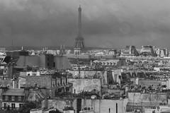 6Q3A9123 (www.ilkkajukarainen.fi) Tags: paris visit tower eiffel torni blackandwhite mustavalkoinen monochrome view näköala city kaupunki katot pariisin roofs