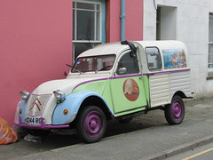 Citroen 2CV Fourgonnette (Andrew 2.8i) Tags: road spot classics classic streetspotting cars car street spotting carspotting kingdom united uk wales welsh van panelvan commercial transport cv 2 2cv6 2cv fourgonnette citroen