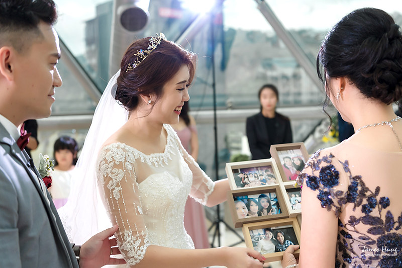 婚攝鯊魚影像團隊,婚攝價格,婚禮攝影,婚禮紀錄,婚攝收費,類婚紗,伴娘,伴郎,佈置,婚宴,⼤直典華