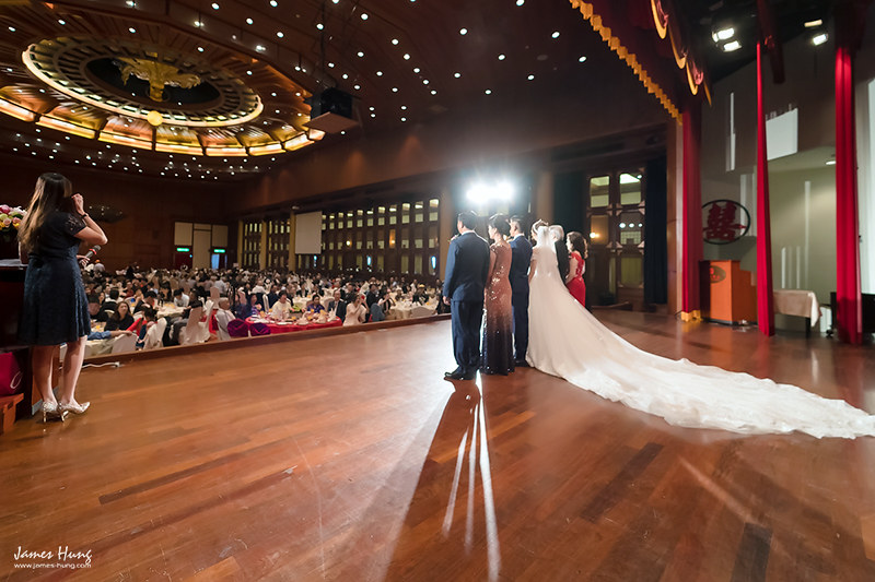 婚攝鯊魚影像團隊,婚攝價格,婚禮攝影,婚禮紀錄,婚攝收費,類婚紗,伴娘,伴郎,佈置,婚宴,台北圓山大飯店
