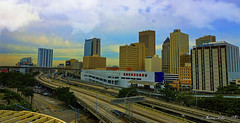 Yesterday afternoon. (Aglez the city guy ☺) Tags: riverwalkmetromoverstation miamicity miamifl city colors clouds cityscapes urbanexploration walking walkingaround street speedway perspective expressway interstate architecture building