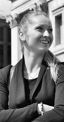 Candid in Trafalgar Square.... (markwilkins64) Tags: streetphotography street candid mono monochrome blackandwhite streetportrait portraiture portrait smile attractive london uk trafalgarsquare markwilkins