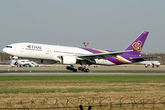 "HS-TJT  Thai Airways International Boeing 777-2D7/ER ""Pathun Wan"" (Osdu) Tags: spotting planespotting avia aviation domodedovo airport dme uudd аэропорт домодедово aircraft airplane avion aeroplano aereo 机 vliegtuig aviao uçak аэроплан samolot flugzeug luftfahrzeug flygplan lentokone aeroplane طائرة letoun fastvingefly avión lennuk هواپیما flugvél aëroplanum самолёт 固定翼機 飛機 boeing ボーイング777 boeing777 thaiairwaysinternational hstjt"