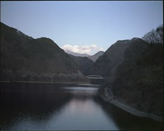 (✞bens▲n) Tags: mamiya 7ii kodak ektacolorgold 160 film analogue 6x7 negative expired landscape mountains water bridge yamanashi japan